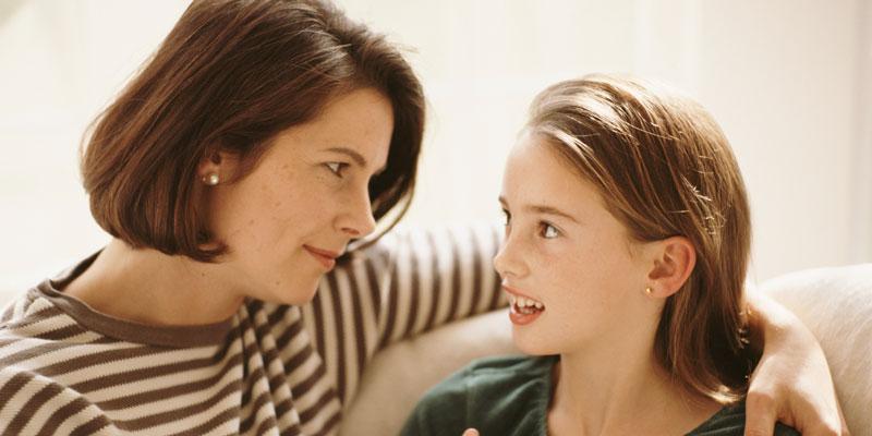 παιδί με αρνητική συμπεριφορά κάνει το γονιό να αλλάξει αντιμετώπιση και συμπεριφορά