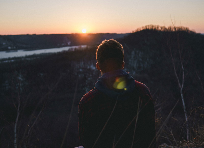 άτομο με παρελθοντικές αγχωτικές εμπειρίες  δεν δημιουργεί ψυχική ανθεκτικότητα στο μελλοντικό τραύμα